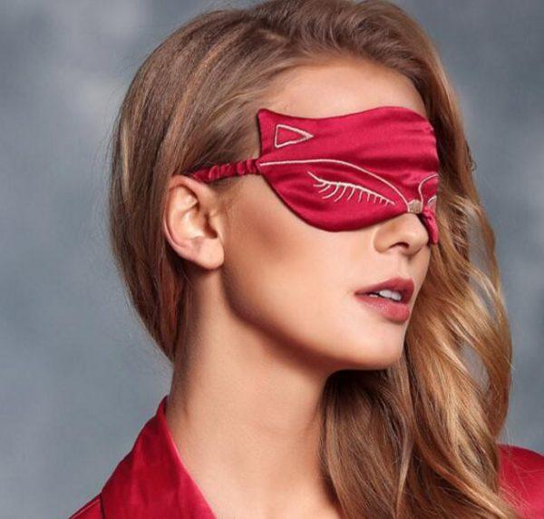 Шелковая маска для сна с вышивкой «Лиса» ярко-розовая