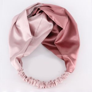 Атласная повязка с перехлестом на голову розовая